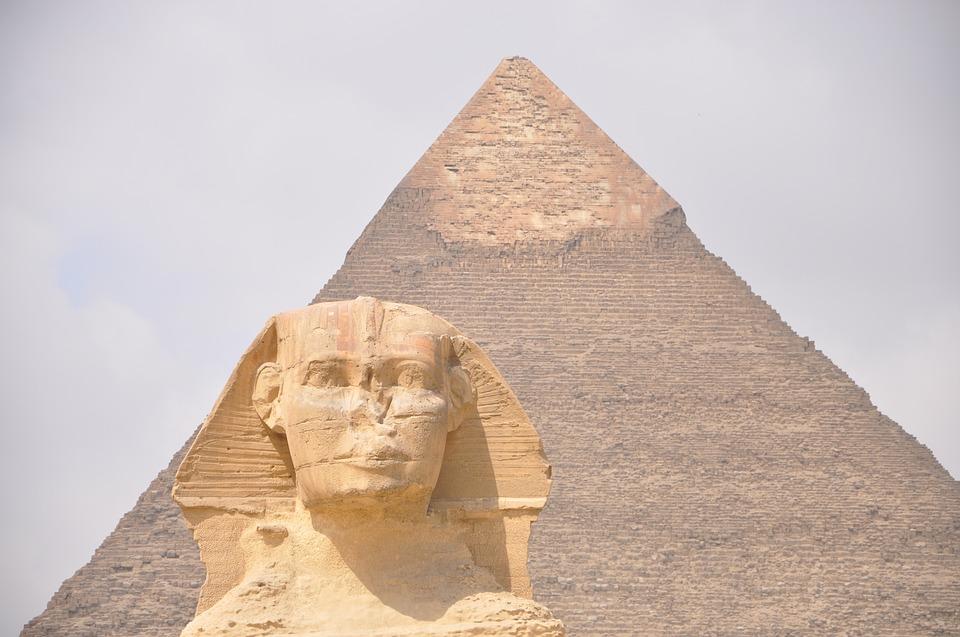 ピラミッドはお墓です